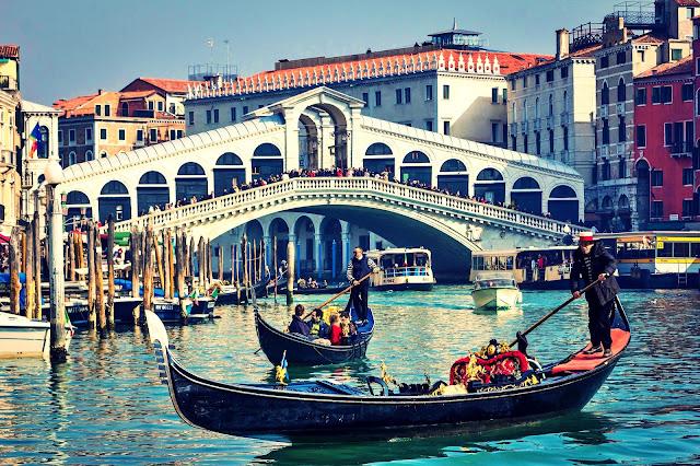 Gdzie zjeść w Wenecji? Lokalny przysmak z Wenecji czyli najlepsze risotto na wyspie Burano.