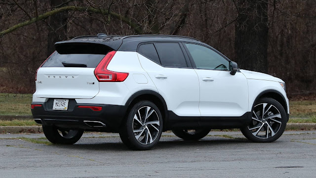 The  2019 Volvo XC40 Latest Photos, 2019 Volvo XC40 Photos Gallery , The 2019 Volvo XC40   interior and Exterior Pictures, 2019 Volvo XC40  HD Wallpapers and Background Images