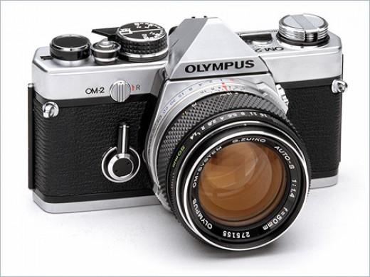 Olympus OM-2 (1975)