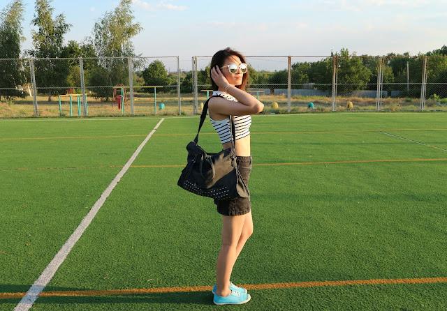 Tassel Rivet PU Leather Tote Handbag