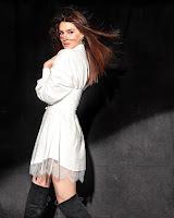 Kriti Sanon Latest Photo Shoot HeyAndhra.com