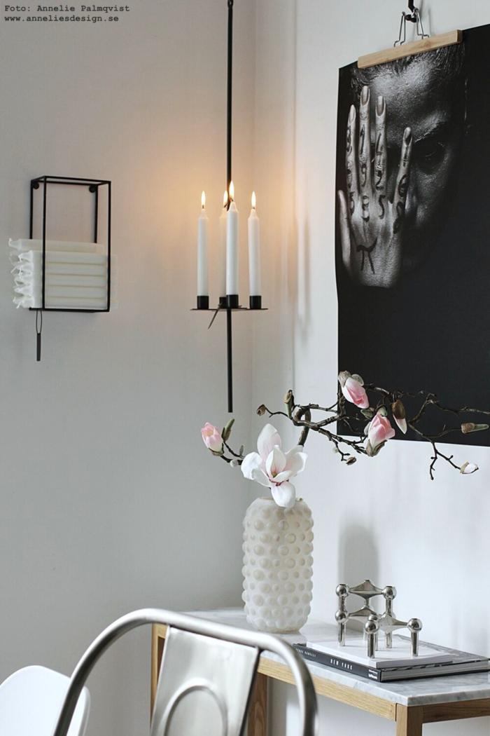 annelies design, webbutik, webbutiker, webshop, nätbutik, inredning, vas, magnolia, konstgjord blomma, konstgjorda, blommor, snittblomma, naturtrogna, naturtrogen, dekoration, prydnad, poster, tattoo, woman, tavla, ljusförvaring, på väggen, vägg, hängande ljusstake, long, ljusstakar