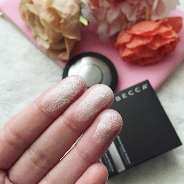 Blotting powder perfector de Becca