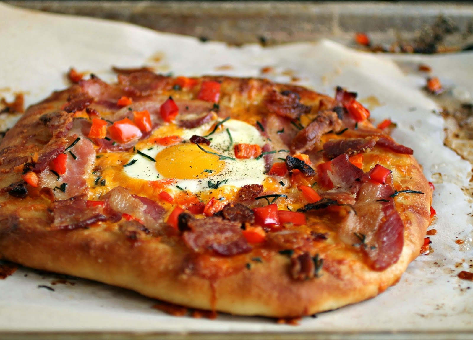 Bacon, Egg and Cheese Breakfast Pizza