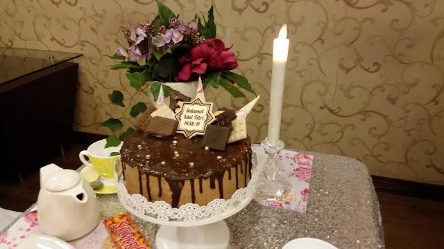 ... Reza: Berkenalan dengan Choco Melt SilverQueen Cake di Dapur Cokelat