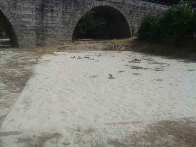Ponte Romana na Praia Fluvial de Ferreirós do Dão