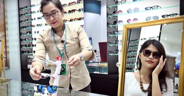 Pilihan Kacamata Berkualitas Dan Pelayanan Terbaik Di Optik Tunggal ... b5352fcc5c