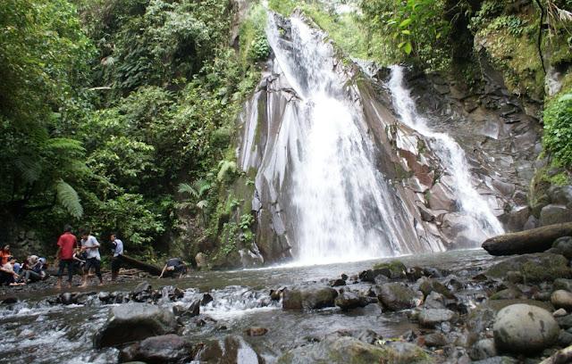 Tempat Wisata Air Terjun Selendang Arum Banyuwangi
