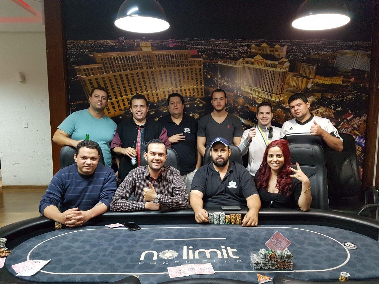 22 poker club ploumagoar