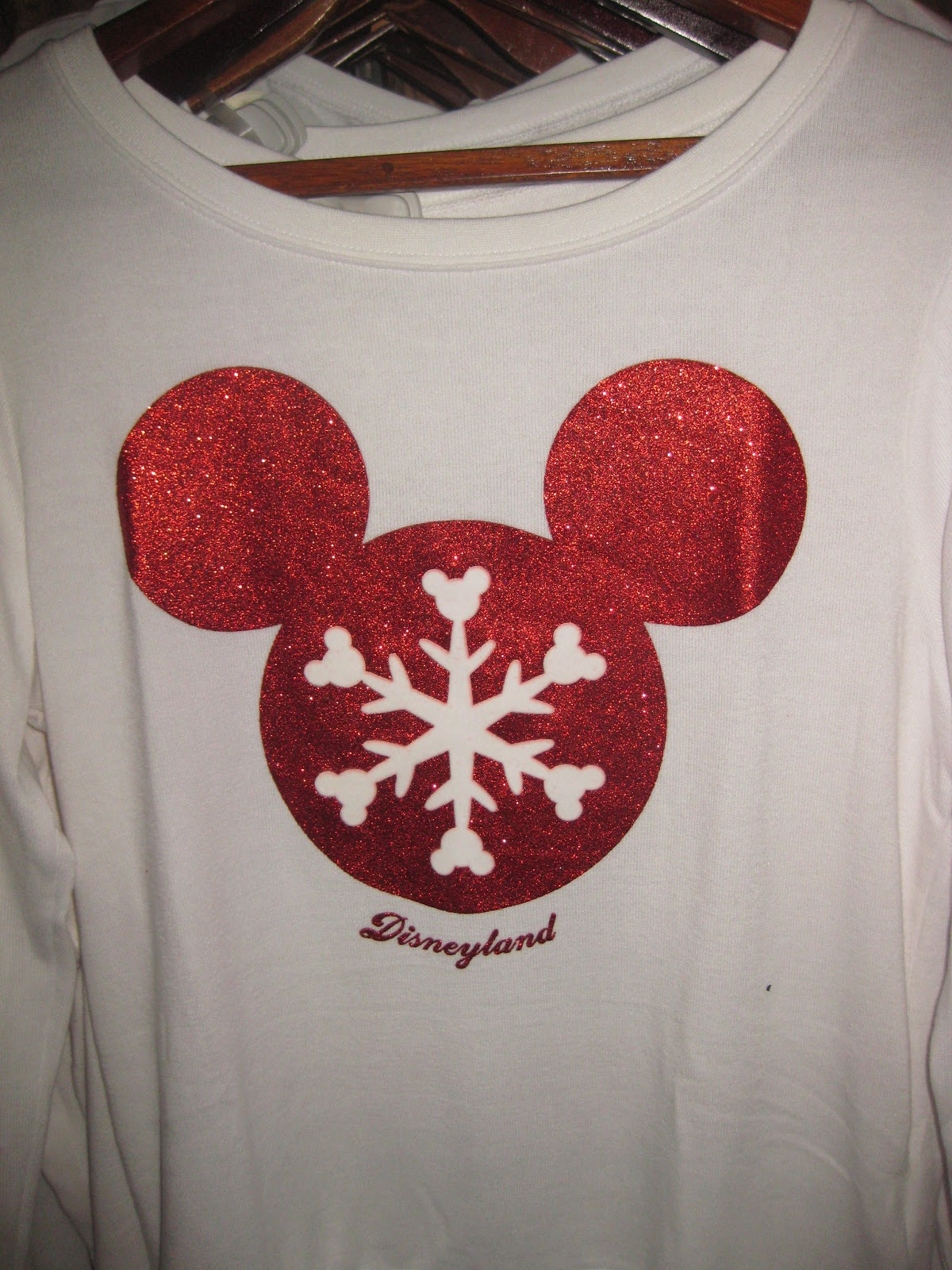 Christmas Shopping At Disneyland Tips From The Disney