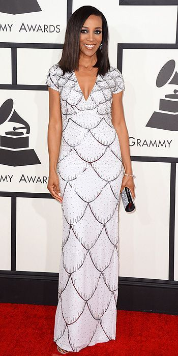 Shaun Robins in a white scallop pattern Nicole Miller gown at the Grammys 2014