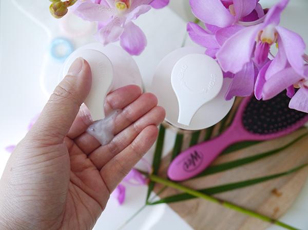 La Coupe Coconut Milk Moisture Quenching Shampoo texture