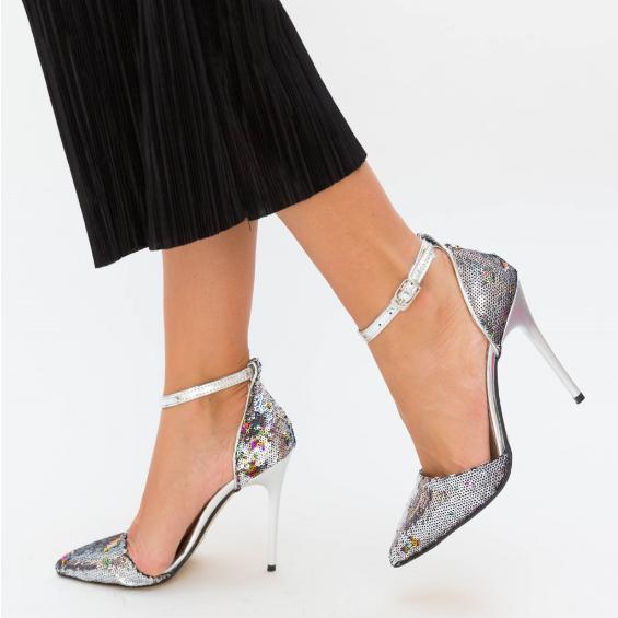 Sandale elegante de ocazii din paiete argintii cu toc si decupaje