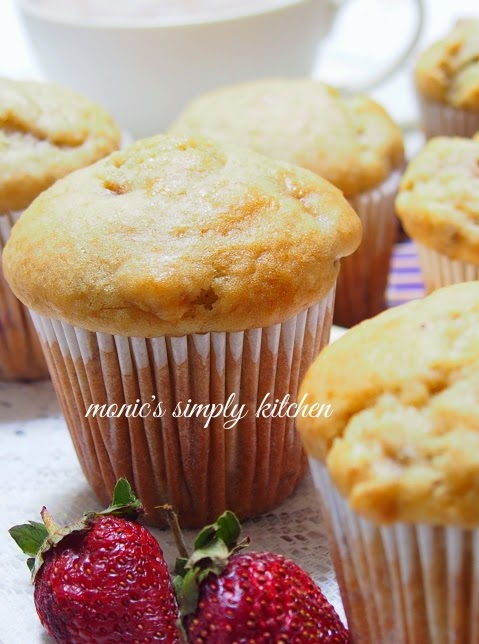 muffin buttermilk pisang stroberi