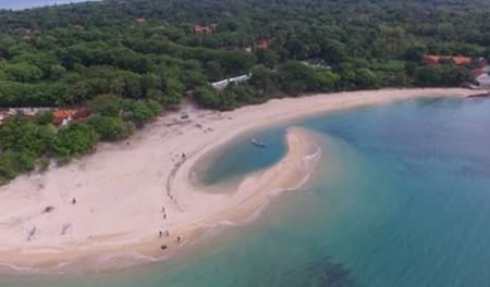 Pesona dan Keindahan Pantai 9