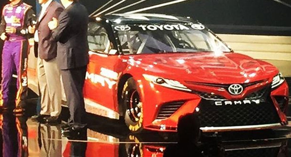 2018 dodge nascar. Contemporary Dodge Has This NASCAR Racer Revealed The Design Of 2018 Toyota Camry And Dodge Nascar E