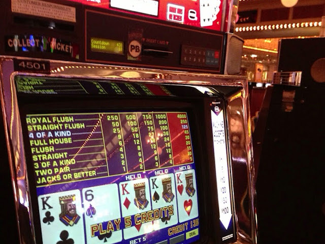 Four Queens video poker jacks or better four of a kind