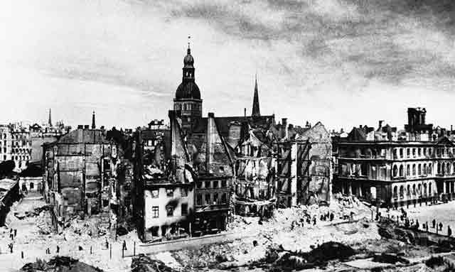 Riga 3 October 1941 worldwartwo.filminspector.com