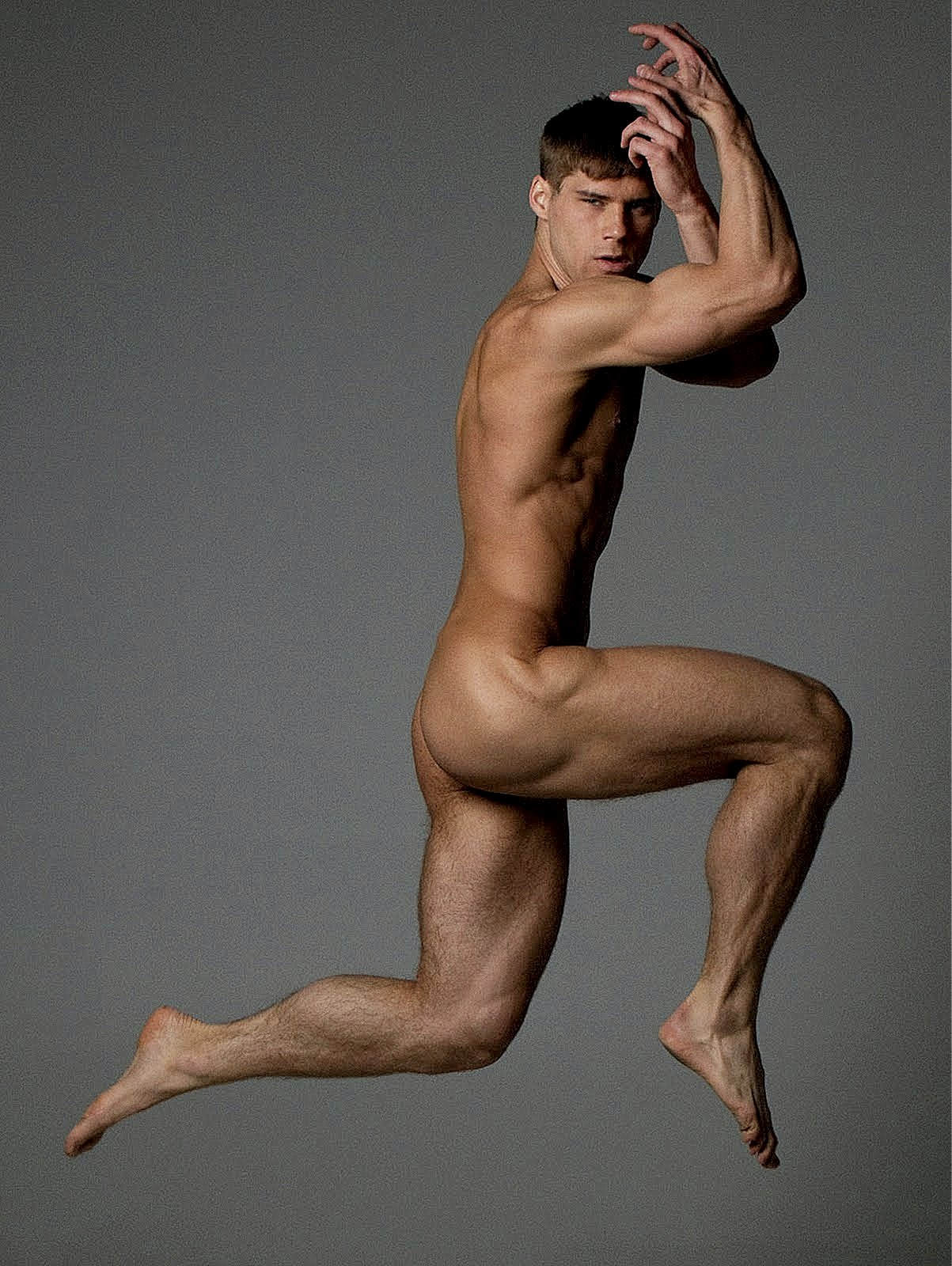 Guys posing naked for art — photo 14