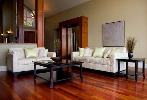 Plus Minus Gunakan Lantai Kayu Di Ruang Tamu