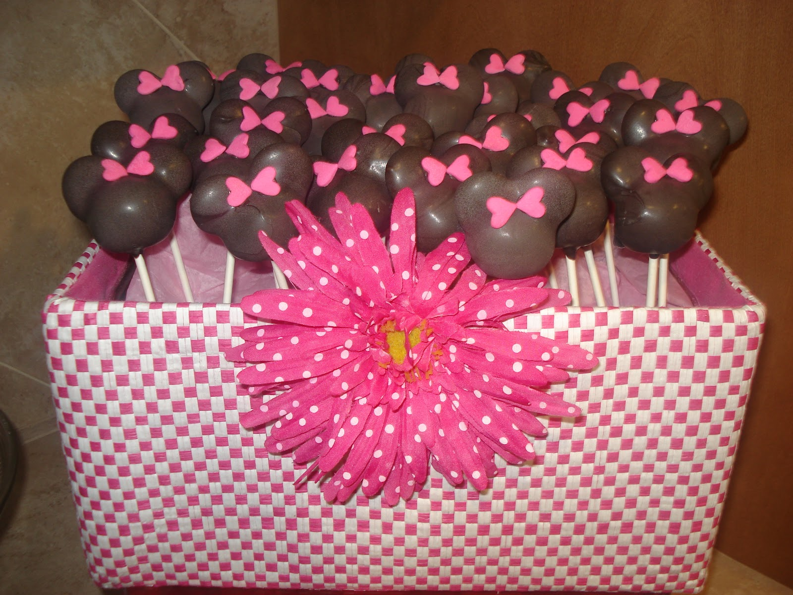 Minnie Mouse Cake Pops For Sale