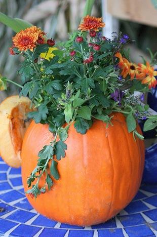 материалы природные, поделки из тыквы, тыква, поделки из природных материалов, своими руками, поделки своими руками, материалы природные, поделки, мастер-класс, идеи поделок, Праздник урожая, поделки на Праздник урожая, Хэллоуин, поделки на Хэллоуин, шкатулки, декорирование тыкв, тыквы декоративные, интерьерный декор, тыквы для интерьера, украшение тыкв, оформление тыкв, декор осенний, для дома, вазы, вазы из тыквы, кашпо из тыквы, вазы для цветов, вазы для интерьера, http://prazdnichnymir.ru/ поделки из тыквы на хэллоуин