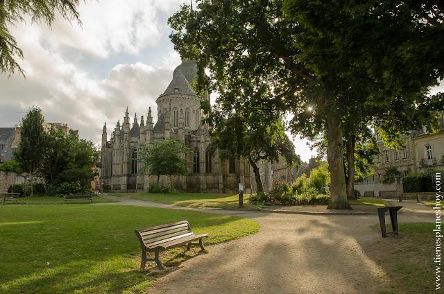 Dinan viaje Bretaña en coche turismo  Basílica que ver