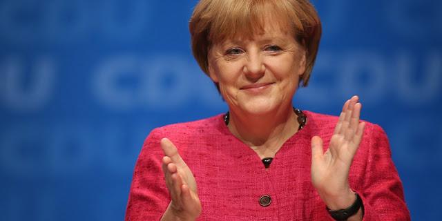 ميركل : تطلب من الألمان تّفهم اللاجئين وتَشكر المتطوعين