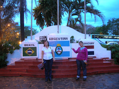 Hito de las tres fronteras, Puerto de Iguazú, Argentina, vuelta al mundo, round the world, La vuelta al mundo de Asun y Ricardo