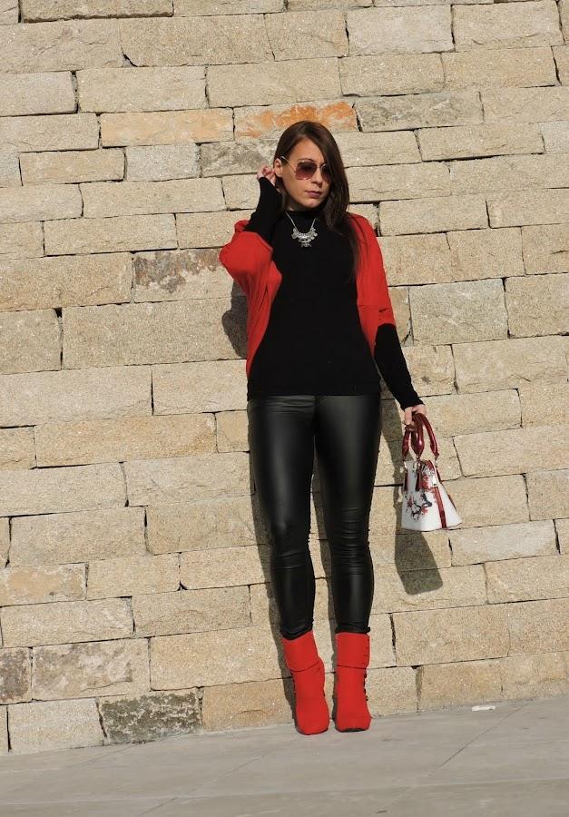 black // red