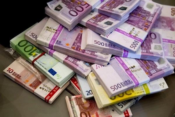 € là tiền gì