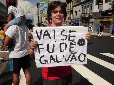 Galvão Bueno promete fazer mais 3 gols para o Brasil contra a Dinamarca hoje em Salvador