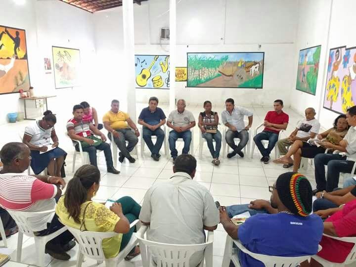 SINDICATOS DOS TRABALHADORES RURAIS DO LITORAL MARANHENSE DISCUTEM USO COLETIVO DE CAMINHÃO.