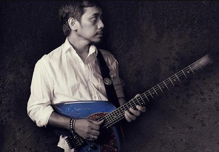 Profile Gitaris Dewa Budjana