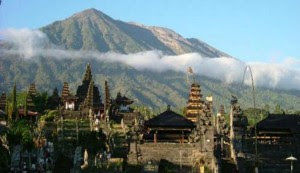 Wisata Pura Besakih Bali