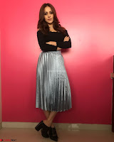 Nushrat Bharucha New Bollywood sensation from Sonu Ke u Ki Sweety Exclusive Unseen Pics ~  Exclusive Gallery 032.jpg