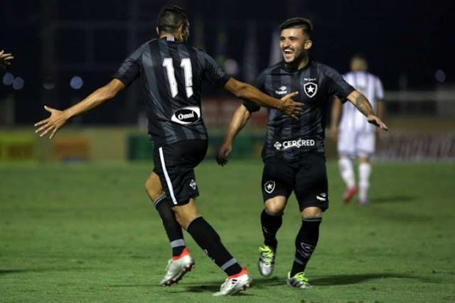 Bragantino bate, arbitragem erra, mas Botafogo arranca empate pela Copa do Brasil