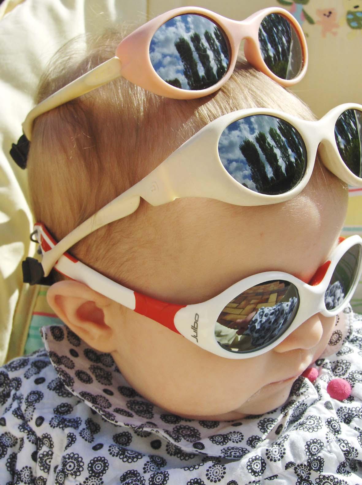 537268d964be34 Et Sa Fée Des Etincelles.  Les lunettes de soleil pour Bébé ...