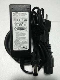 Jual Adaptor Samsung 19V - 2.15A Bekas Original