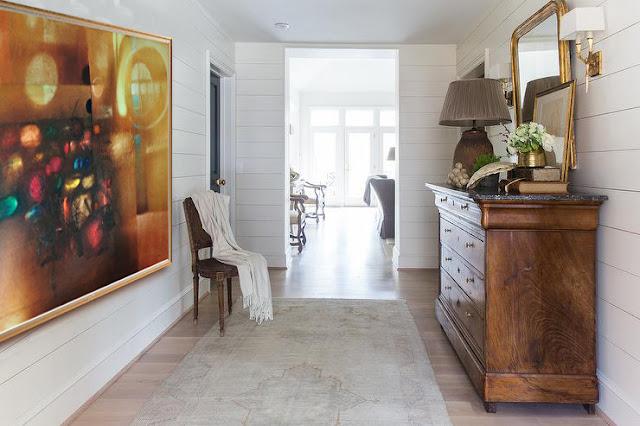 Decoración recibidor pasillo con pintura abstracta Antonio Madrid