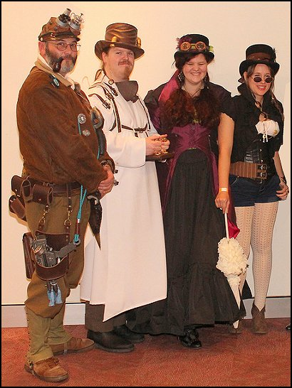 steampunk costume  - steampunk style    Steampunk decorating ideas - Victorian punk rock style creates the steampunk theme - steam punk Industrial style decorating ideas  - steampunk gears decor - Steampunk clothes - Steampunk Costumes - Steampunk home decor