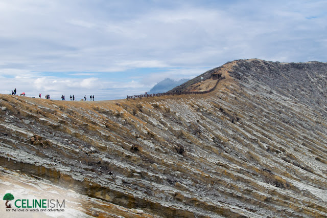 hike to kawah ijen in indonesia