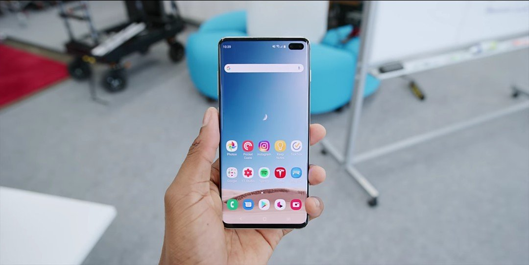 Samsung Galaxy S10 best dynamic OLED display