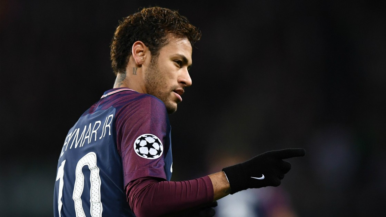 Emery-gianh-loi-co-canh-cho-Neymar