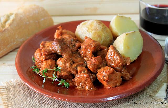 Carne de fiesta canaria con papas arrugadas. Julia y sus recetas