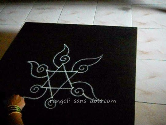 simple-kolam-step-2.jpg
