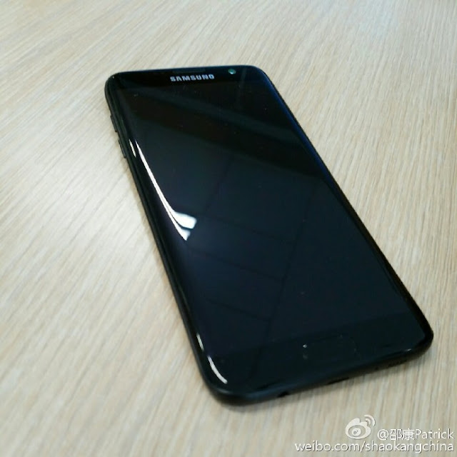This is our first look at 'Glossy Black' Samsung Galaxy S7 edge