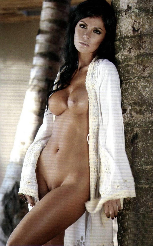 Vunessa higgens posiert nackt