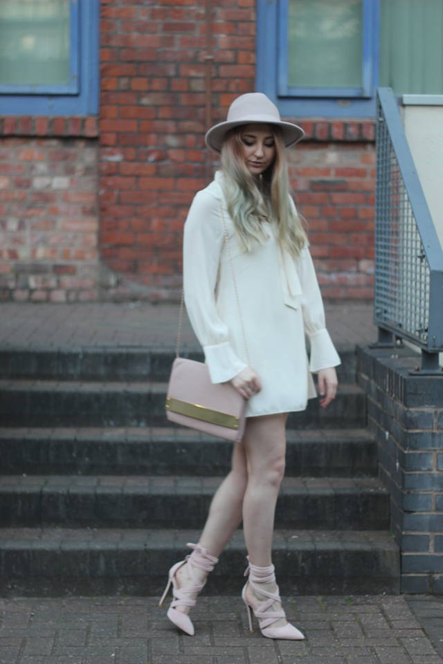 how to wear nude fashion blog