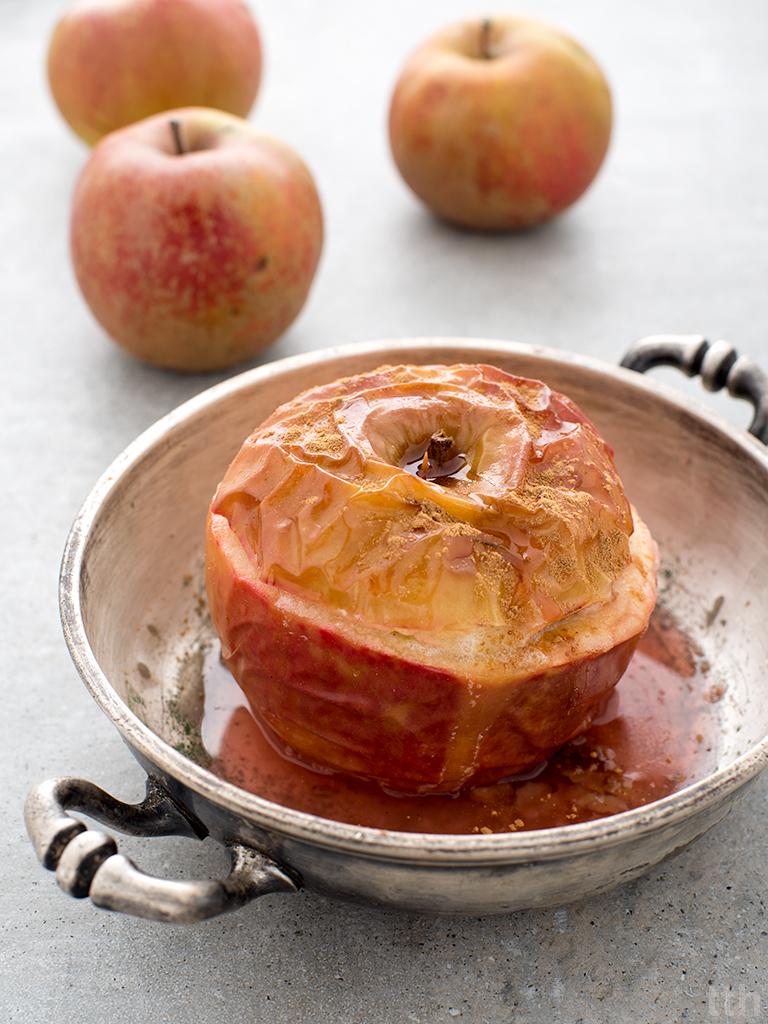 Pieczone jabłka z owsianką wegańskie, bezglutenowe, bez cukru roślinna kuchnia blog kulinarny